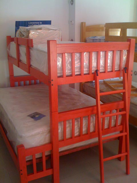 Bunk bed single over full red